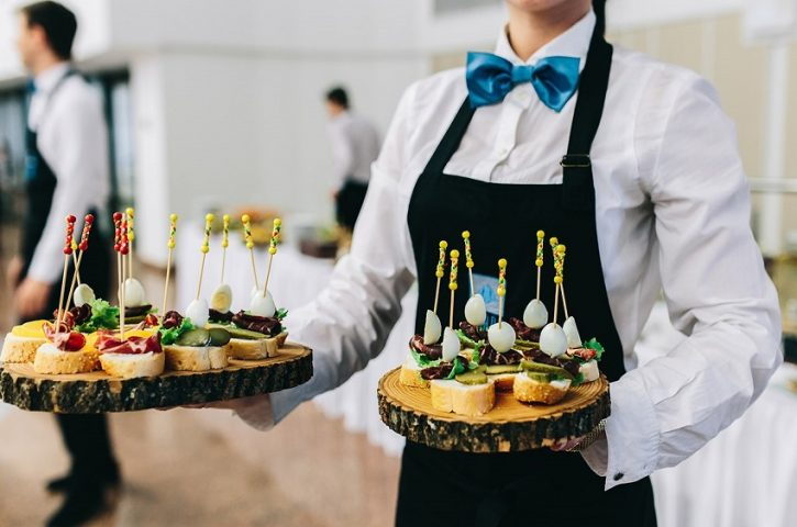 Working With Minneapolis Wedding Caterers: Ask These Questions!